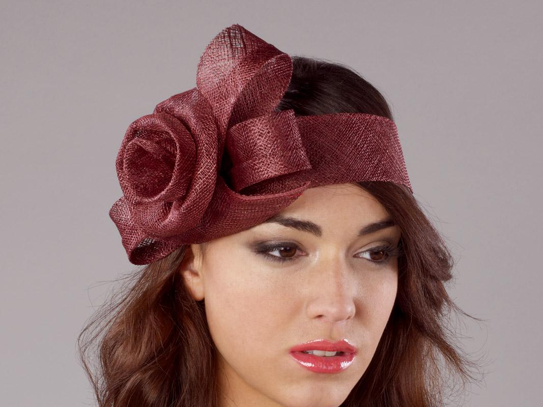 Turbante sinamay con lazo y flor jamir - Turbantes para novias ...